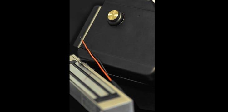 Электромагнитные дверные замки